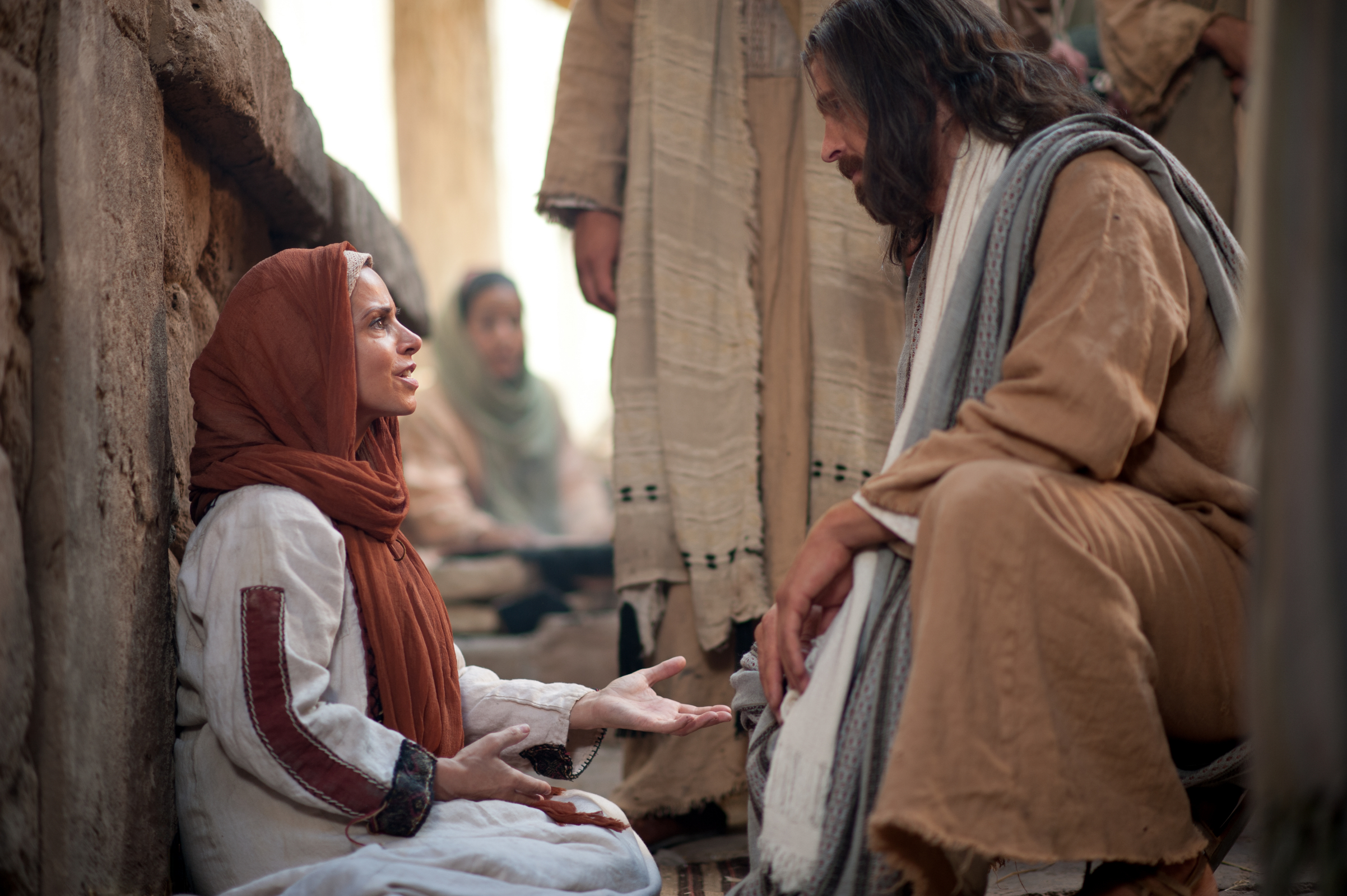 Jesus speaks with a woman of faith