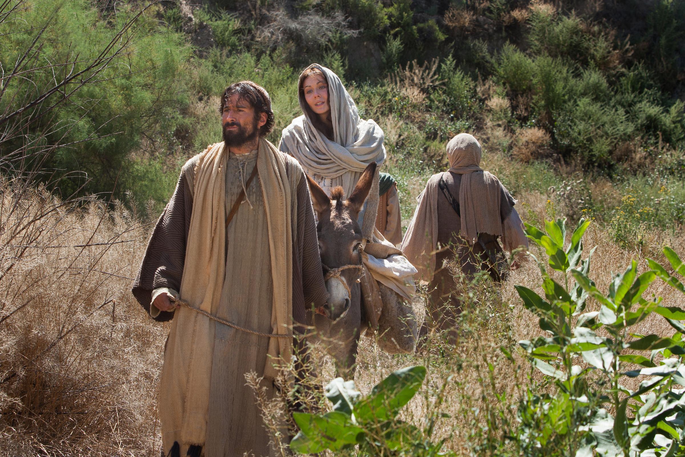 Marie et Joseph se rendent à Bethléhem -
