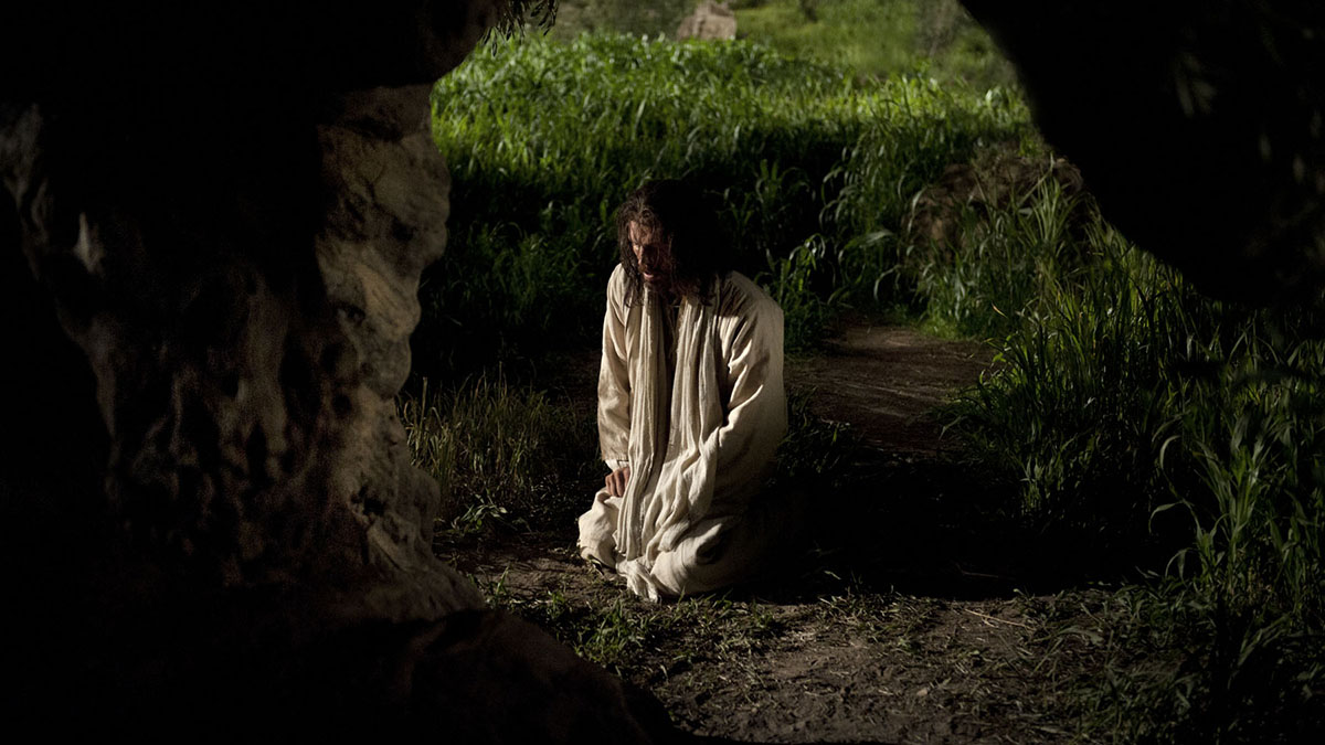 The Savior Suffers in Gethsemane The Savior Suffers in Gethsemane