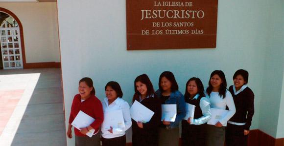 Seven Mormon Women -- all siblings -- serve as Mormon missionaries