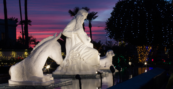 Thousands Visit Mesa Temple Grounds to View Lights - Church News ...