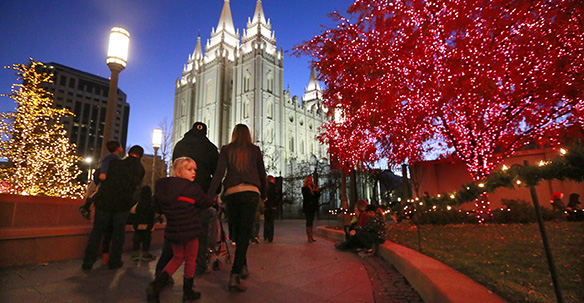 Temple Square Christmas Lights, Grounds Testify of Jesus Christ ...