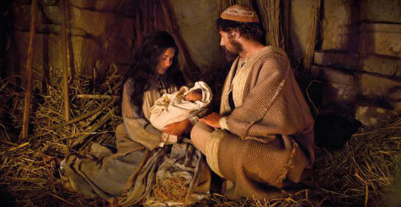 Viewpoint accept the gift of christ church news and events president thomas s monson said as we seek christ as we find him as we follow him we shall have the christmas spirit not for one fleeting day each negle Choice Image