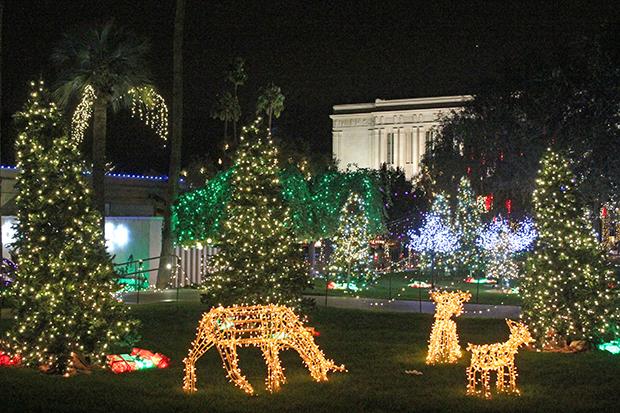 """Mormon Temple Gilbert S. Christmas Lights 2020 Light the World"""" on the Grounds of the Mesa Arizona Temple"""