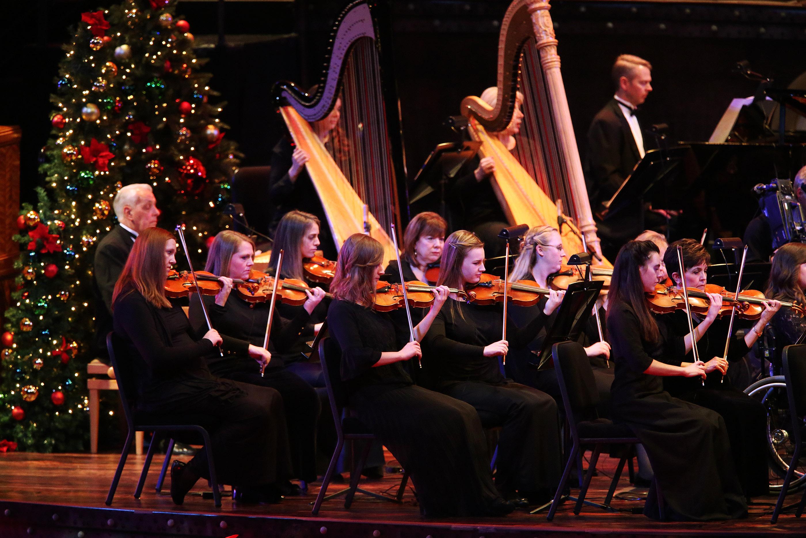 Sutton Foster, Hugh Bonneville Highlight Mormon Tabernacle Choir\'s ...