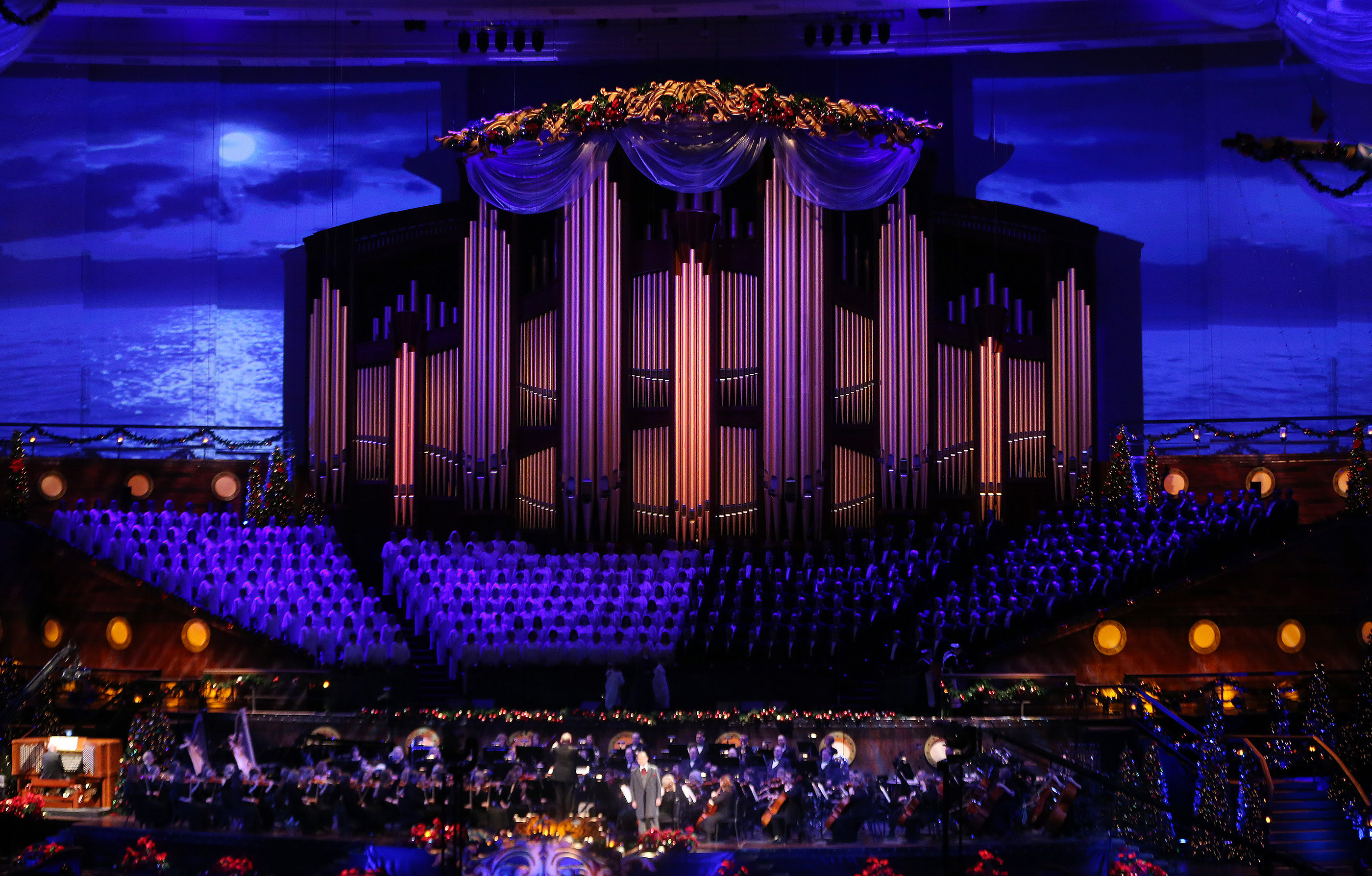 english actor hugh bonneville the mormon tabernacle choir and the orchestra at temple square perform during the christmas concert in salt lake city on