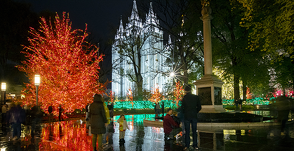 Thousands take in the colors as the lights are turned on at Temple Square  in Salt Lake City on Friday, November 23, 2018. Photo by Scott G Winterton,  ... - 2018 Temple Square Lights A Spectacular Sight - Church News And Events