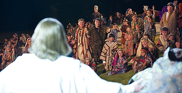 """'THE MORMON MIRACLE': """"Temple City"""" Pageant Rockets to Wide Acclaim"""