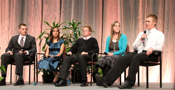 RootsTech Youth Panel Shares Family History Experiences - Church News and Events