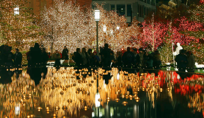 Temple Square Lights Up For The Holiday Season