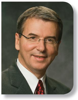 Élder Carlos A. Godoy