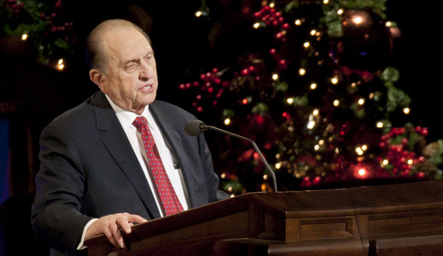 President Monson speaking at the 2010 Christmas Devotional