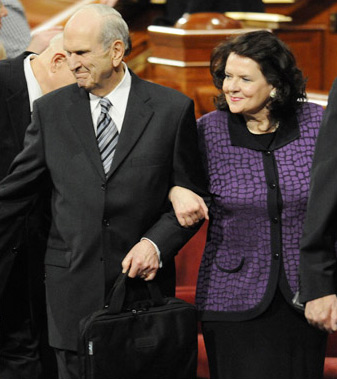 Elder and Sister Nelson leaving conference