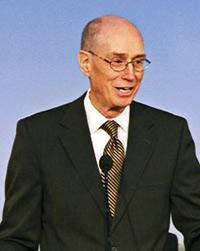 O Presidente Eyring falando no seminário de presidentes de missão de 2011