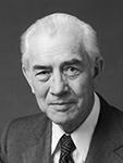 Élder MarkE. Petersen