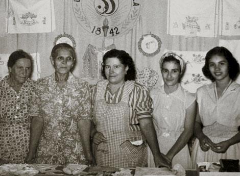 sisters in Del Rio, Texas