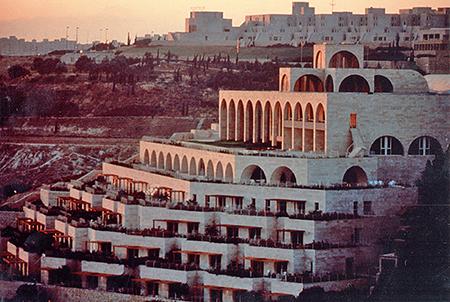 Les plus belles pièces d'orgue - Page 11 Jerusalem-center-byu_1316213_inl