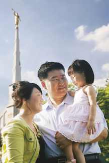 Korean family in front of Seoul Korea Temple