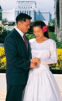 couple at Hawaii Temple