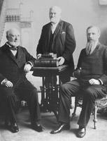 La Primera Presidencia en abril de 1889: George Q. Cannon, Wilford Woodruff y Joseph F. Smith.