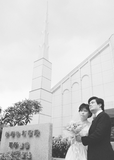 couple in front of temple