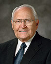 Sang Elder L. Tom Perry
