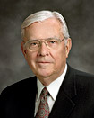 Anziano M. Russell Ballard